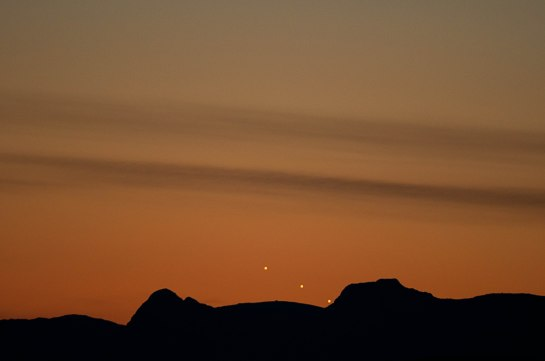 Jupiter setting behind Harrison Stickle